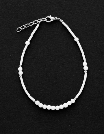 Bracelet de cheville Calliope Thalia Onyx blanc